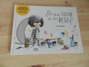¿De que color es un beso? de Rocio Bonilla portada