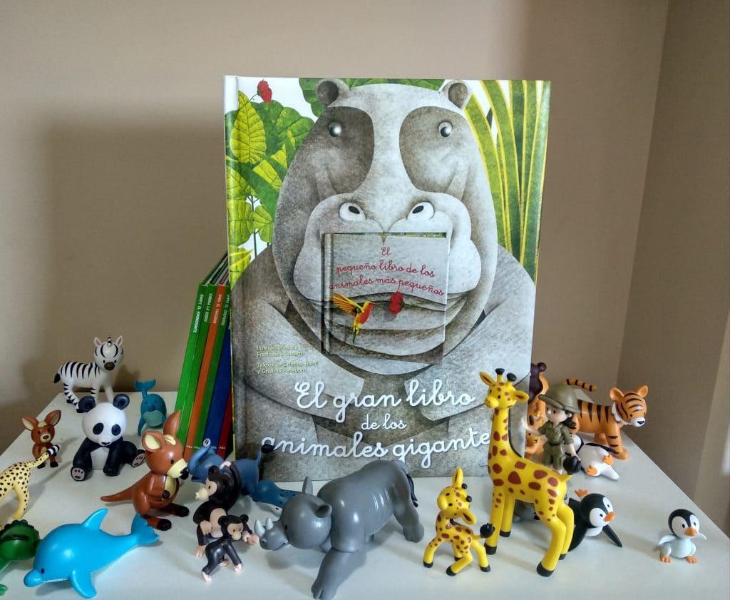El gran libro de los animales gigantes y el pequeño libro de los animales más pequeños 11